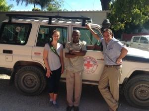 Virginie Bussières, bénévole, Jean Lafontant-Maurice, médecin, Jean-François Bussières, pharmacien CHU Sainte-Justine, Haïti, août 2015