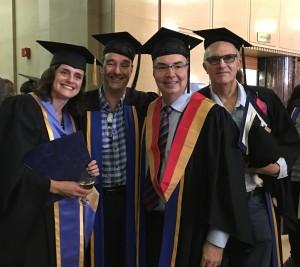 De gauche à droite : Ema Ferreira, Jean-François Bussières, Jacques Turgeon et Patrice Hildgen, quatre professeurs de la Faculté de pharmacie de l'Université de Montréal honorés lors de la collaboration des grades 2015